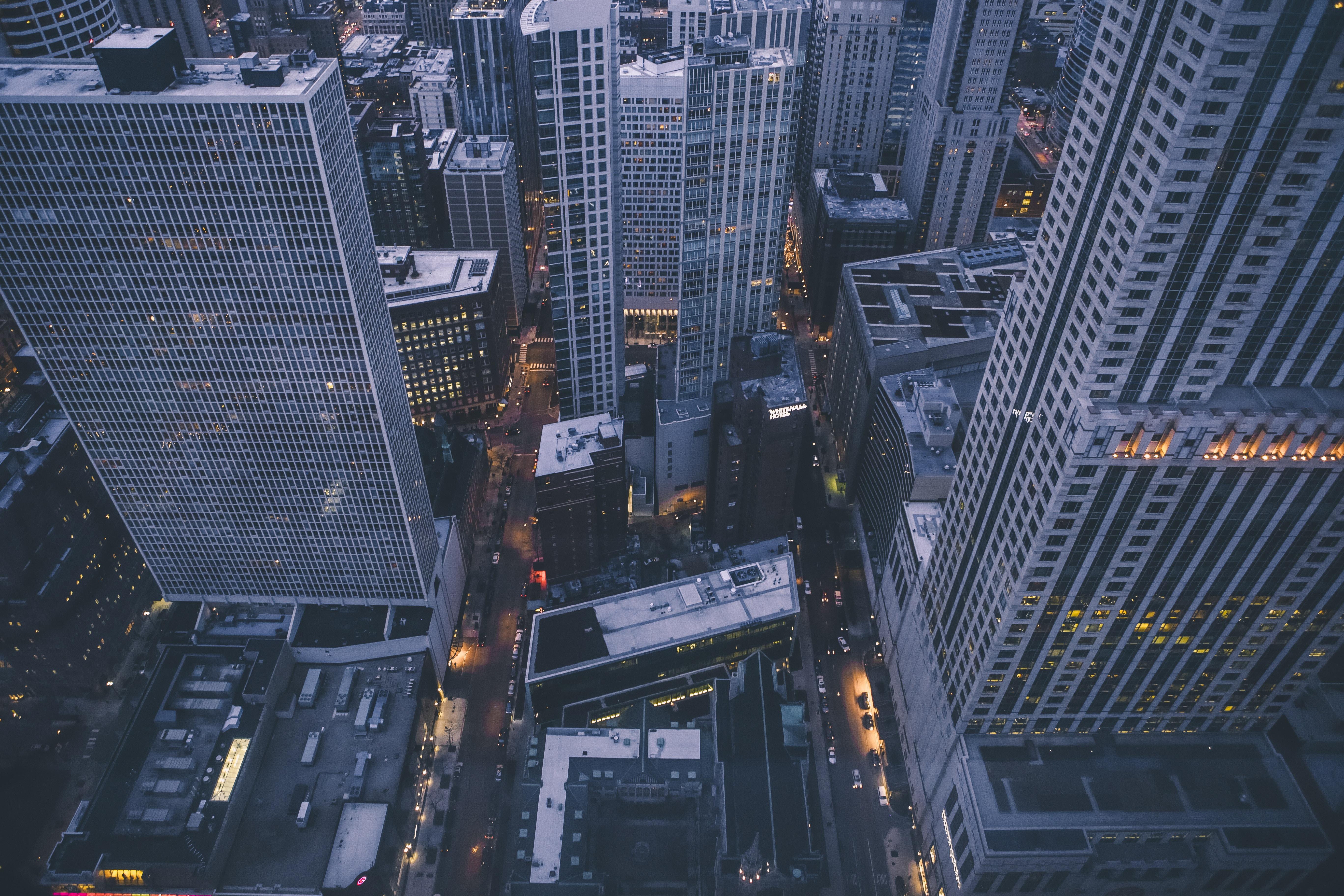 Quartier des affaires avec gratte-ciel