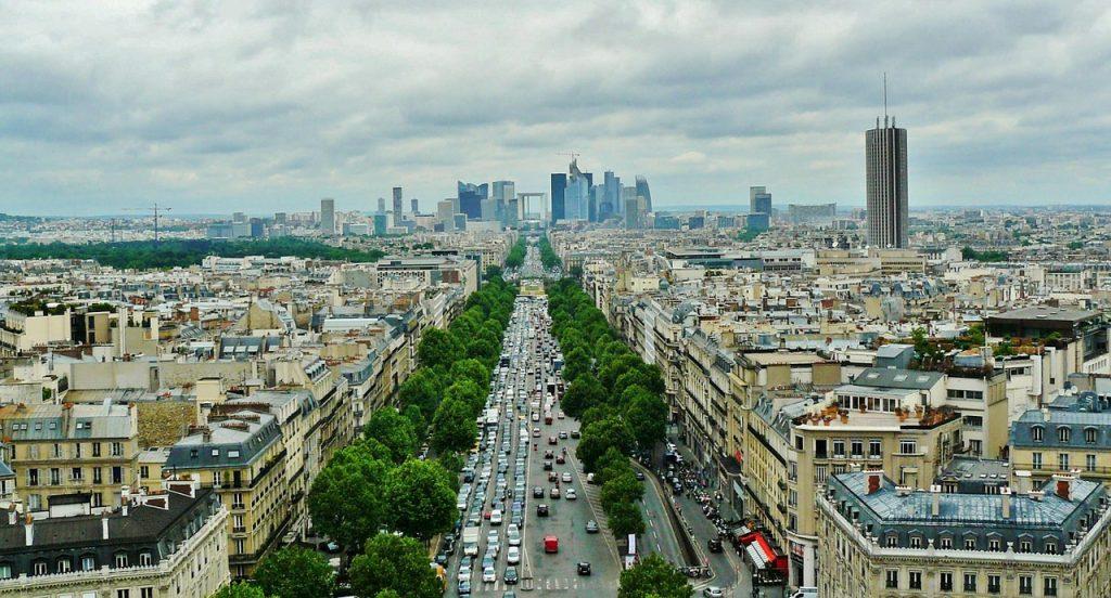 La Défense vue des Champs Elysées