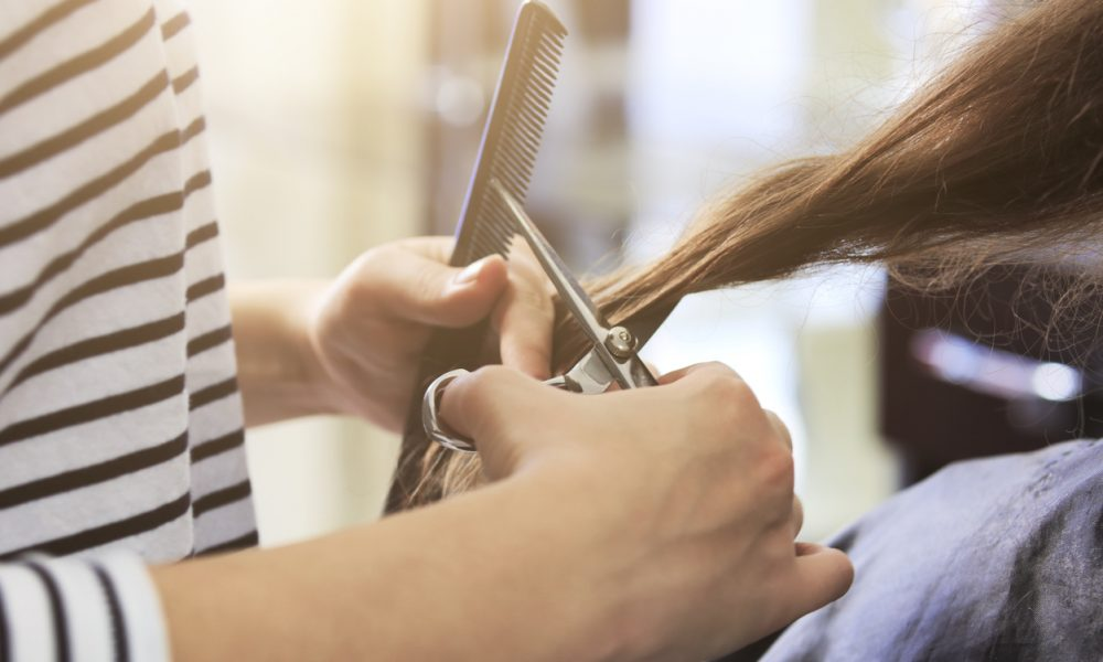 Comment monter son affaire de coiffure à domicile ?